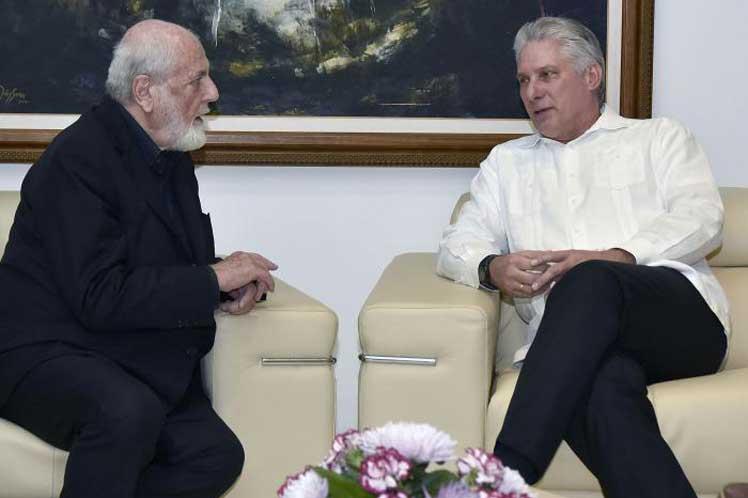 Pistoletto expresó al mandatario cubano su profunda admiración por Cuba. (Foto: PL)