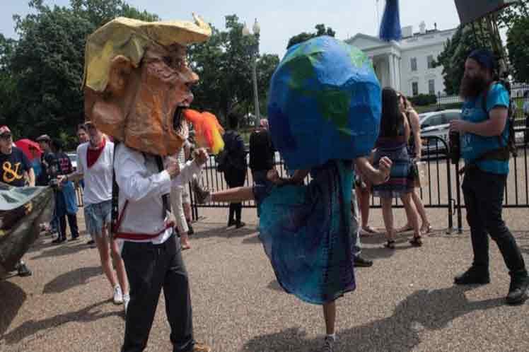 Grupos ecologistas denuncian los asaltos de la Administración Trump contra el medio ambiente. (Foto: PL)