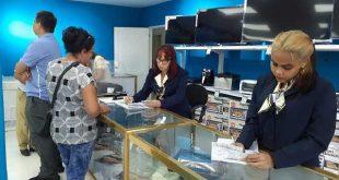 cuba, economia cubana, dolar, bloqueo de eeuu a cuba, cadenas de tiendas caribe