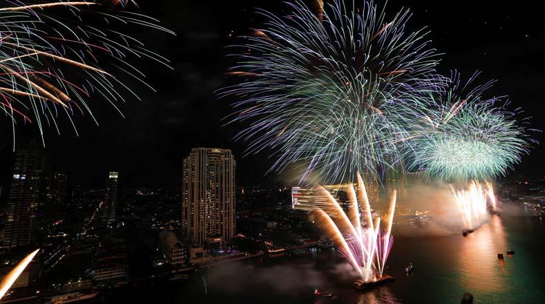 Tailandia recibe el Año 2020 con fuegos artificiales. Foto:Reuters