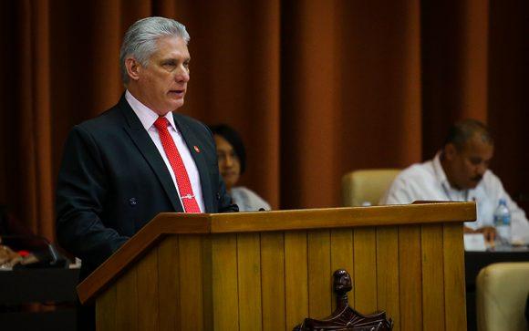 """""""¡Somos territorio libre de neoliberalismo!"""", sentenció el presidente cubano en la clausura de las sesiones del Parlamento. (Foto: PL)"""