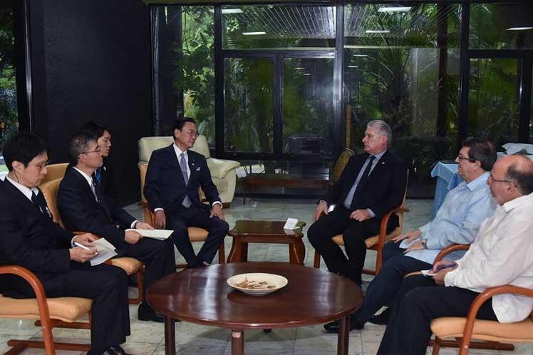 El encuentro transcurrió en un ambiente 'amistoso' en el Palacio de la  Revolución. (Foto: Estudios Revolución)