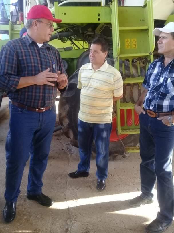 Junto a dirigentes del Partido, el Gobierno y la Agricultura, intercambió con colectivos, especialistas y técnicos de la empresa.