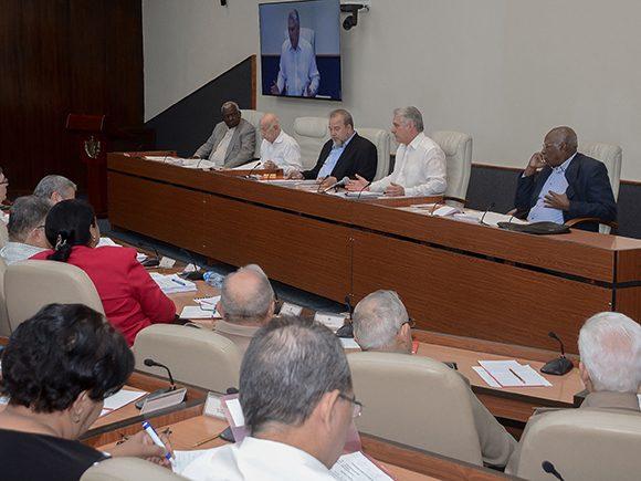 Última reunión del Consejo de Ministros del año 2019, presidida por Díaz-Canel y dirigida por Manuel Marrero, primer Ministro cubano. (Foto: Estudios Revolución)