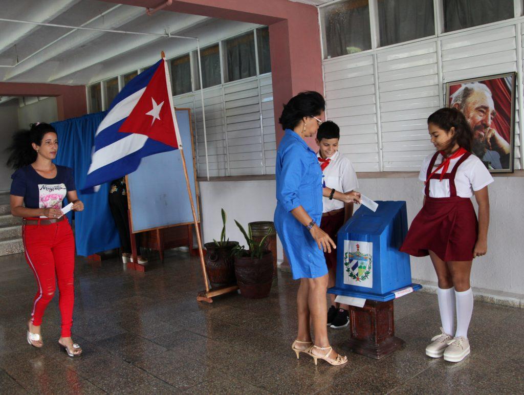 El 99,38 por ciento de los delegados de base de la provincia ejercieron el voto. (Fotos: Oscar Alfonso Sosa)