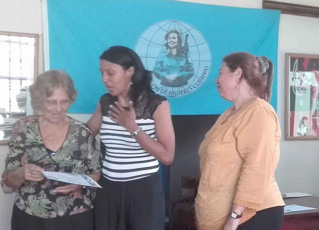 Nora Quintana mereció un reconocimiento especial por la promoción del certamen.