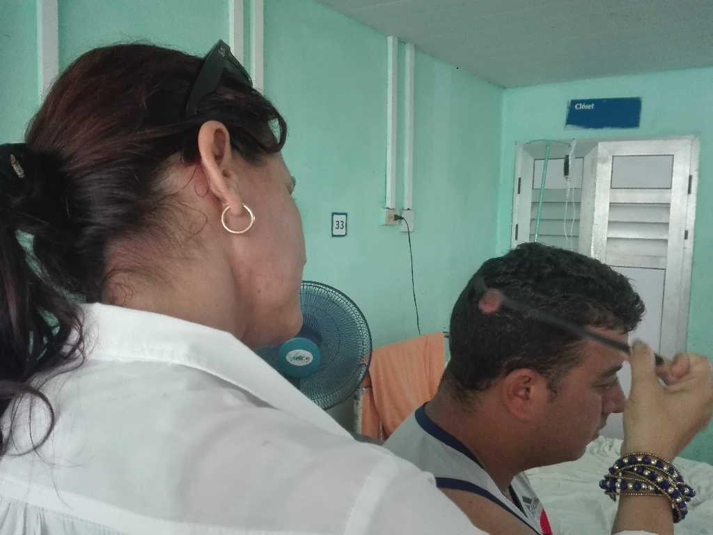 Personas con pérdida gradual y progresiva del pelo en menos de 15 días han tenido resolución en la zona afectada. (Foto: Arelys García / Escambray)