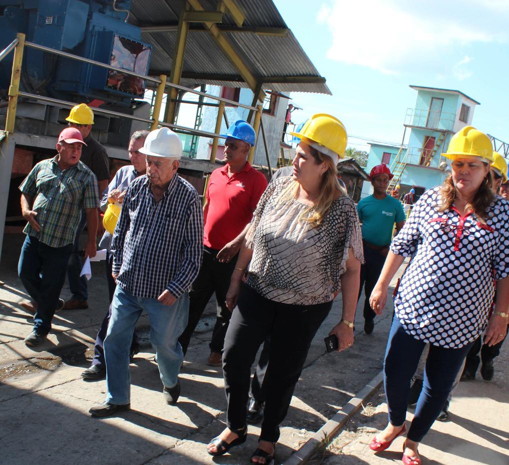 Machado Ventura estuvo acompañado por las principales autoridades de la provincia.