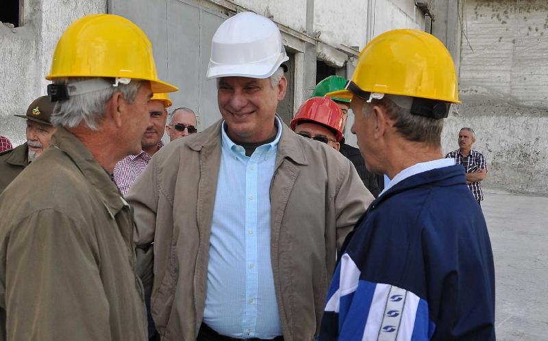 sancti spiritus, miguel diaz-canel, fabrica de cemento siguaney, presidente de cuba en sancti spiritus