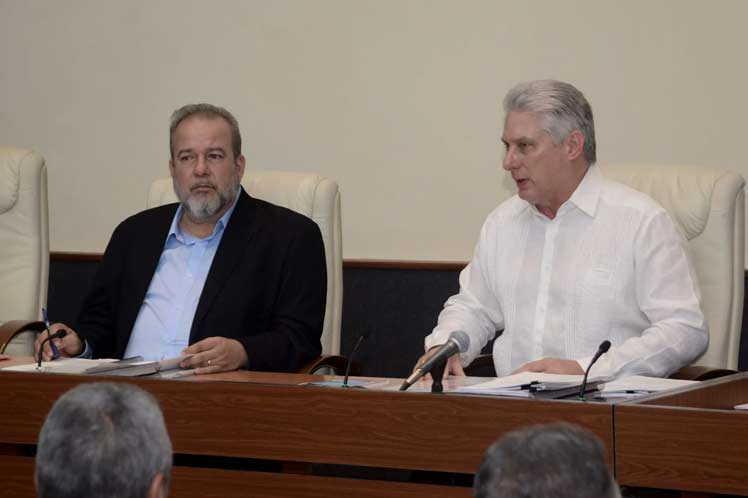 cuba, manuel marrero, miguel diaz-canel, primer ministro, presidente de la republica de cuba, economia cubana, ferrocarriles, petroleo