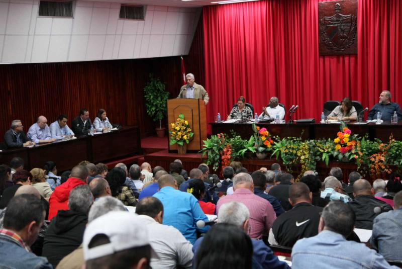 sancti spiritus, miguel diaz-canel, presidente de cuba en sancti spiritus, vivienda, produccion de alimentos, construccion de viviendas