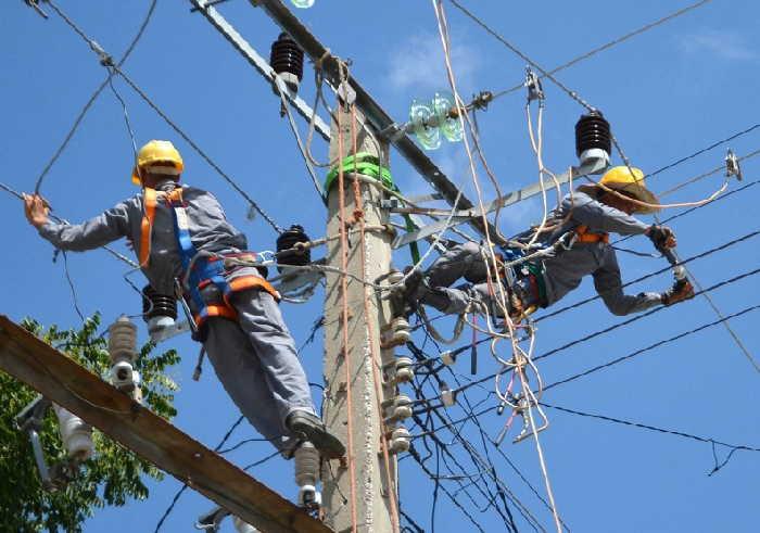 sancti spiritus, empresa electrica, electricidad, bajo voltaje, tendederas electricas