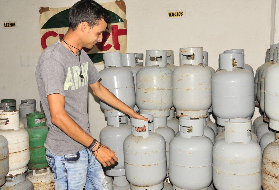 A través de cada Punto de Venta de Gas Licuado se informarán las medidas de reducción del consumo que se aplicarán mientras persista la situación. (Foto: Escambray)