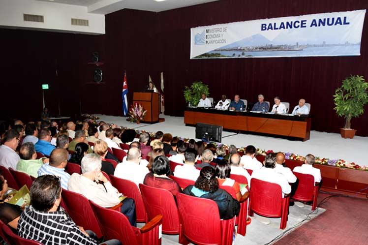 El presidente cubano participó en el balance de trabajo realizado por el Ministerio de Economía y Planificación en 2019. (Foto: PL)