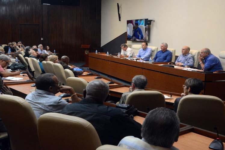 La reunión forma parte del seguimiento a los acuerdos del IX Congreso de la Uneac. (Foto: PL)
