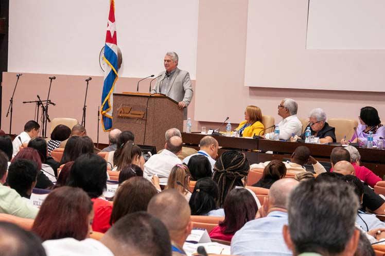 La nueva carta magna demanda más competencia de los profesionales jurídicos, aseguró el presidente cubano. (Foto: PL)
