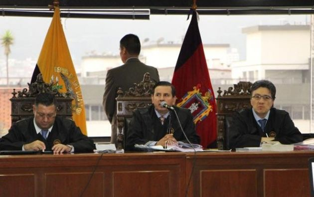 La defensa legal del exmandatario considera que los jueces designados para el juicio no resultan competentes.
