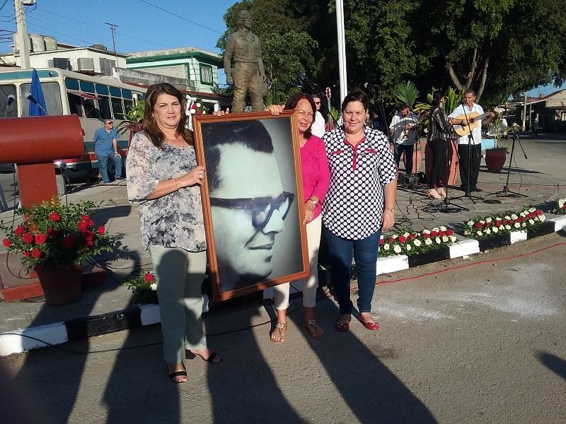 Las máximas autoridades política y de gobierno en la provincia encabezaron el acto por el centenario de Faustino. (Foto: La Voz de Cabaiguán)