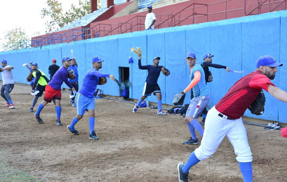 El trabajo con los lanzadores ha estado centrado en el mejoramiento del control. (Foto: Vicente Brito)