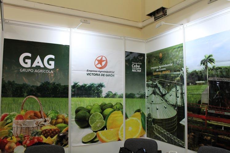 Empresas agropecuarias cubanas que trabajan el tema de las exportaciones y realizan el comercio exterior, asisten a la cita.