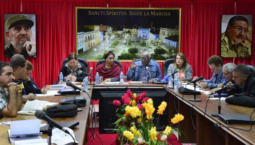 En el encuentro participaron representantes de la Agricultura, Azcuba y Recursos Hidráulicos.