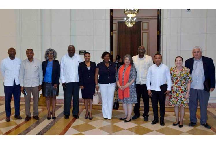 Lazo agradeció el interés de sus interlocutores por el sistema político cubano. (Foto: PL)