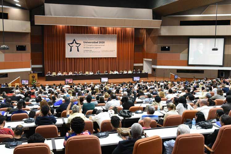 Más de dos  mil delegados de 50 países intervinieron en la cita. (Foto: PL)