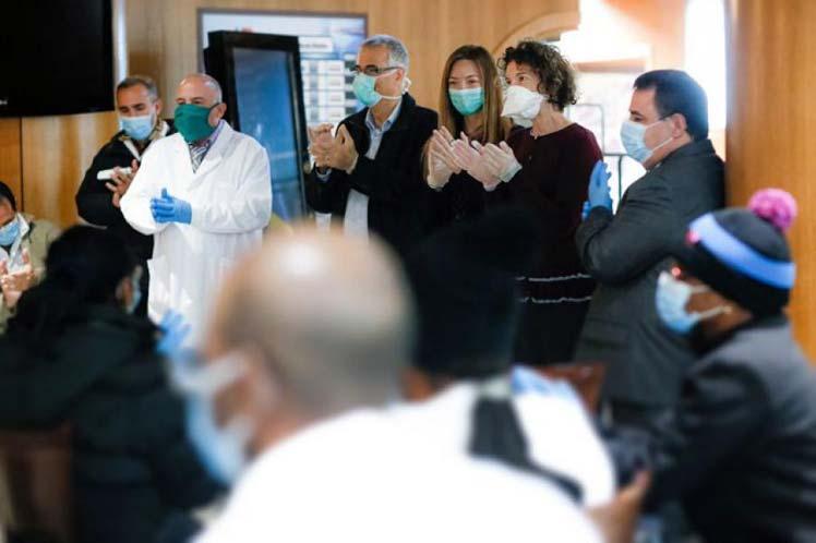 Desde los balcones de Andorra, homenaje a la brigada médica cubana (+ Video)