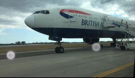 Cuatro aviones contratados por las autoridades del Reino Unido a la British  Airways se encargarán del traslado de los cruceristas. (Foto: Cubadebate)
