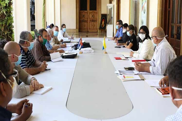 El encuentro de especialistas venezolanos y cubanos busca fortalecer acciones para  contener la propagación de la enfermedad. (Foto: PL)