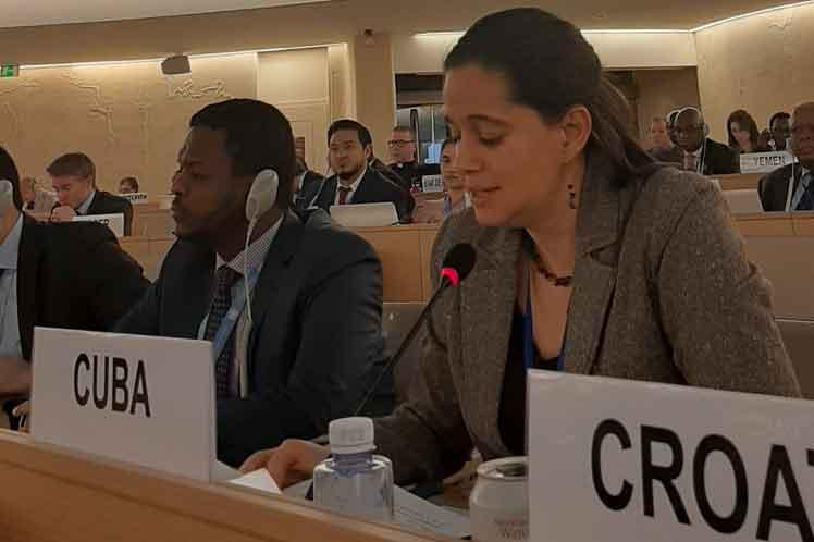 La delegada cubana Lisandra Astiasarán intervino en un diálogo interactivo, enmarcado en la continuación de la 43 sesión  del Consejo de Derechos Humanos. (Foto: PL)