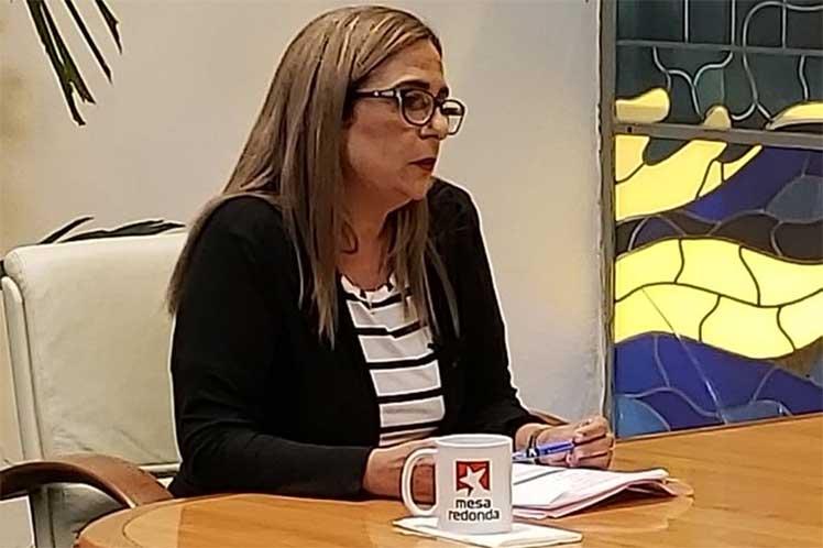 Bolaños reiteró el aplazamiento de todos los impuestos y pagos pendientes para trabajadores privados o cuentapropistas. (Fotos: @PresidenciaCuba)