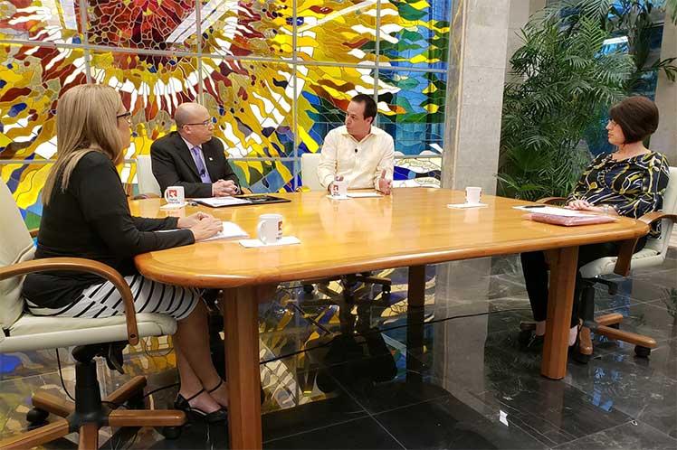 El ministro de salud rechazó los cuestionamientos del gobierno estadounidense sobre las  brigadas médicas cubanas.