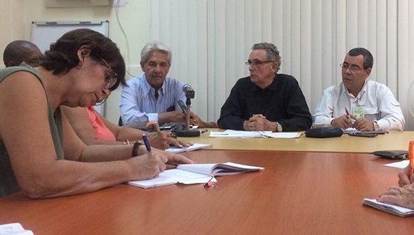 Autoridades del Ministerio de Salud Pública ofrecieron información sobre las medidas en Cuba ante el Covid-19. (Foto: Cubadebate)