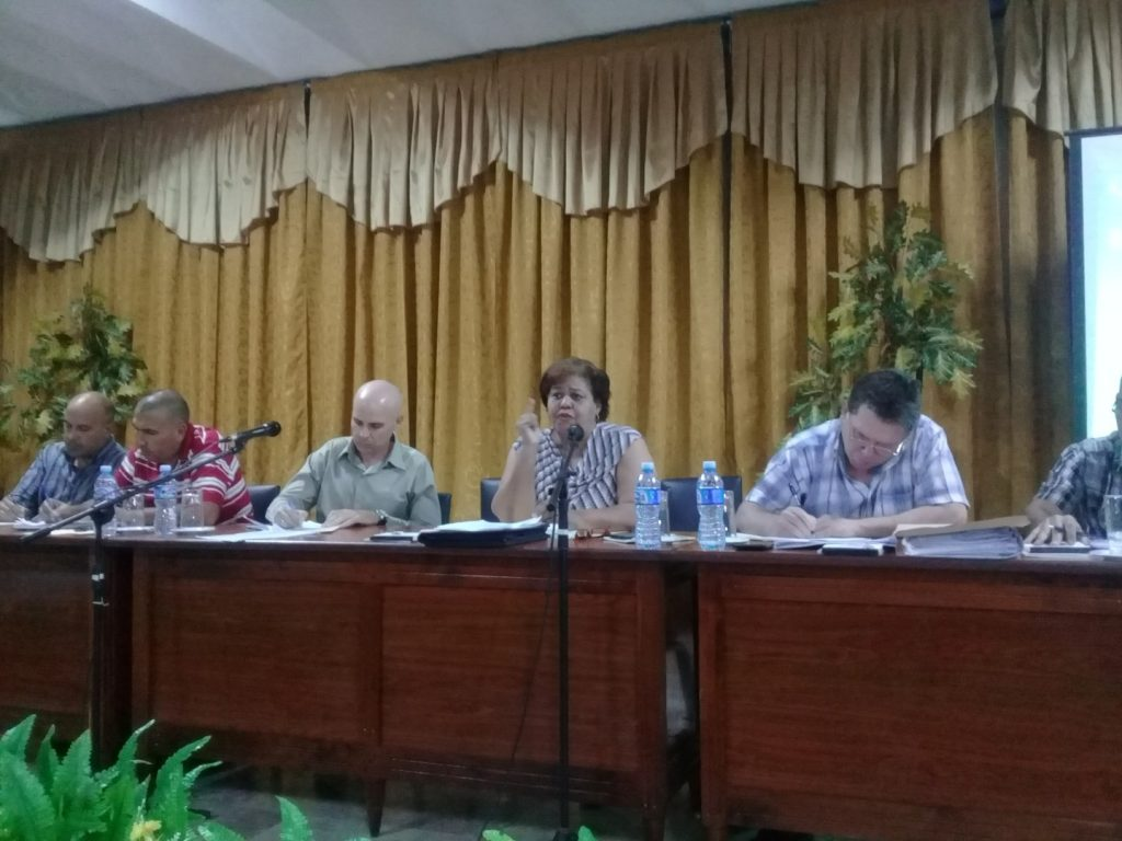 Olga Lidia Tapia significó que en el centro de la labor ideológica del Partido tiene que seguir estando el ser humano.
