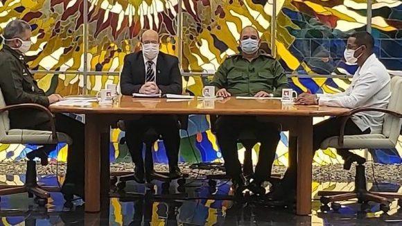 El programa radio televisivo Mesa Redonda dedicó su espacio de este lunes a las medidas que se implementan en la capital para combatir el nuevo coronavirus. (Foto: Cubadebate)