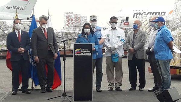 La vicepresidenta resaltó que pese al ilegal y criminal bloqueo impuesto por EE.UU. contra Venezuela, el país sigue combatiendo efectivamente el Covid-19. (Foto: Mippci)