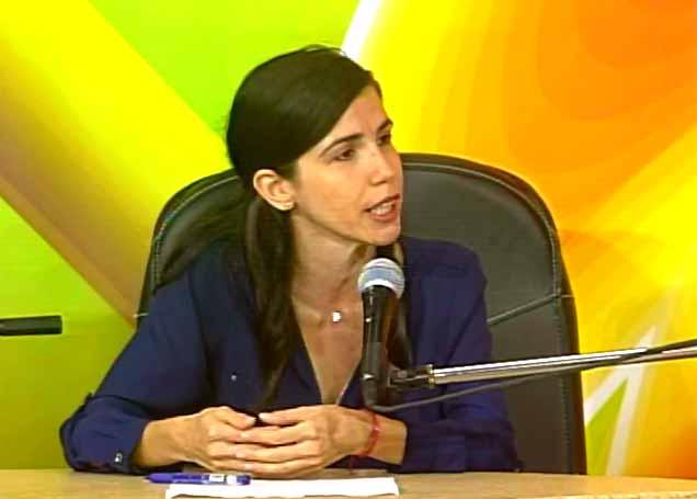Carmen Gelen González Meneses, especialista en el departamento de Registros y Notarías. (Foto: Tomada de Centrovisión)
