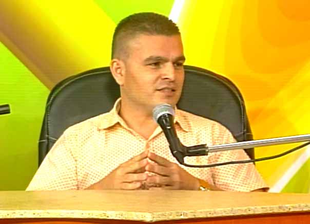 Leonardo Ramos Moreno, jefe técnico de la Unidad Empresarial de Base Cubana del Pan. (Foto: Tomada de Centrovisión)