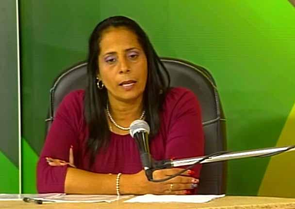 Saily Cruz Álvarez, directora adjunta de la Empresa de Productos Lácteos Sancti Spíritus. (Foto tomada de Centrovisión)