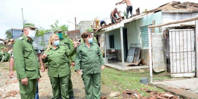 Integrantes del Consejo de Defensa Provincial recorrieron las áreas afectadas. Foto: Escambray