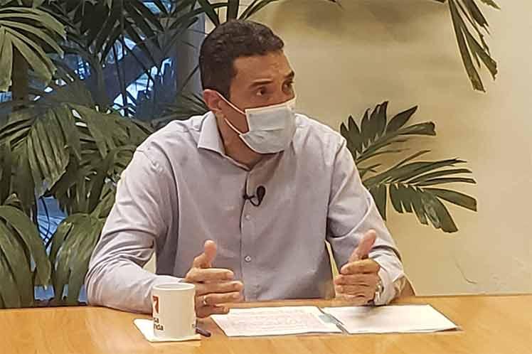 El sector del Transporte ha adoptado más de 30 medidas para enfrentar la pandemia, aseguró el ministro.  (Foto: Twitter @PresidenciaCuba)