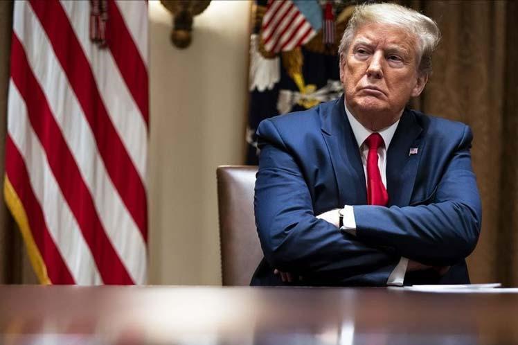 Trump y sus representantes señalan que la tasa de mortalidad del virus está exagerada a pesar que expertos afirman lo opuesto. (Foto: PL)