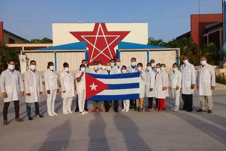 El contingente médico internacional de Cuba resulta el único en dar una respuesta científica y humanitaria ante la pandemia a escala  mundial. Foto: PL.