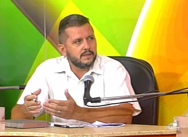 Gustavo López Cruz, jefe del Departamento Comercial y Mercadotecnia.  (Foto: Tomada de Centrovisión)