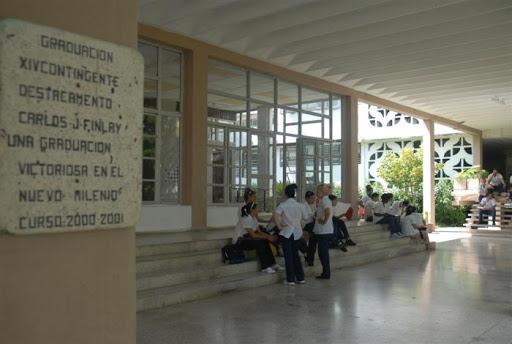 La Universidad médica espirituana aportará unos 600 nuevos profesionales al sistema de salud. (Foto: Vicente Brito / Escambray)