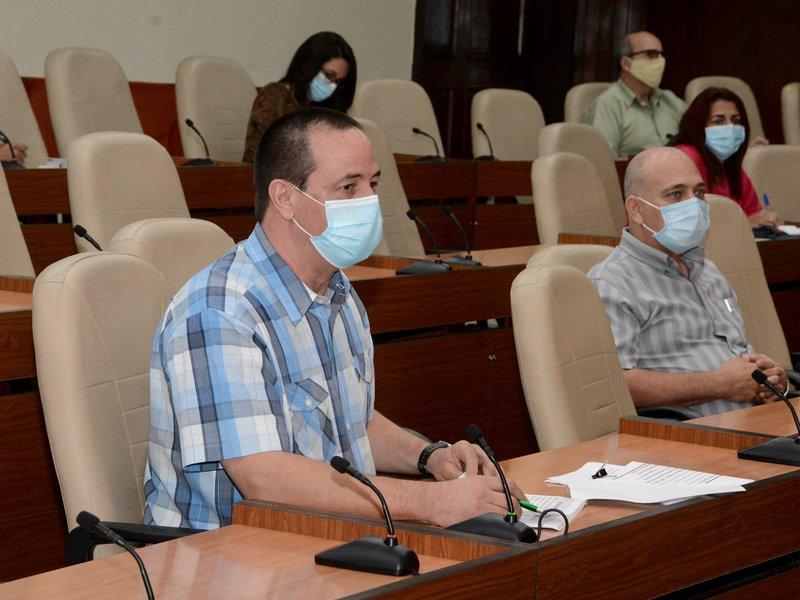 El ministro de Salud Pública detalló que se mantiene una búsqueda constante para identificar contactos. (Foto: Estudios Revolución)