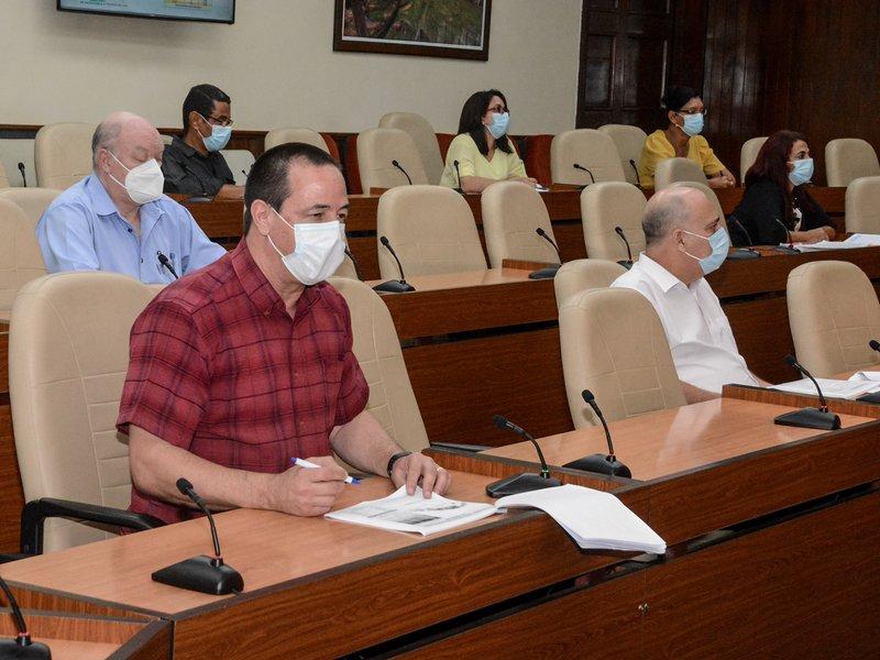 El ministro de Salud Pública, José Angel Portal Miranda, reiteró que Cuba continúa bajando la letalidad. (Foto: Estudios Revolución)