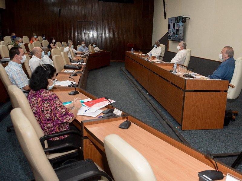 El Primer Ministro Manuel Marrero insistió en la sistematicidad y profundidad de las pesquisas activas. Foto: Estudios Revolución.
