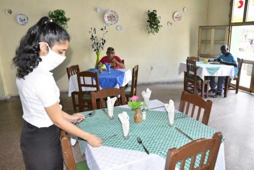 Extreman medidas en unidades gastronómicas camagüeyanas ante actual situación epidemiológica